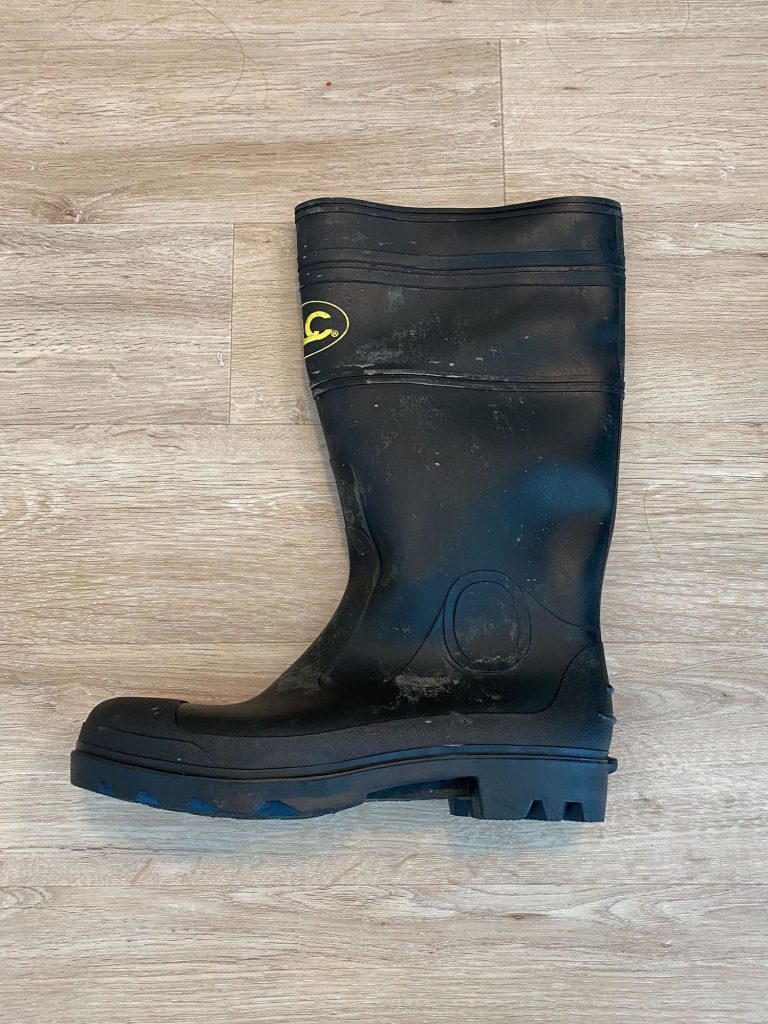clamming boot profile