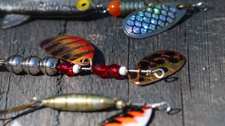 best walleye lures for shore fishing